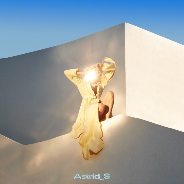 Astrid S - Airpods