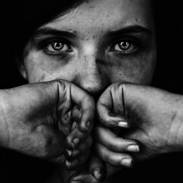 Les mains brisées comme leurs souvenirs